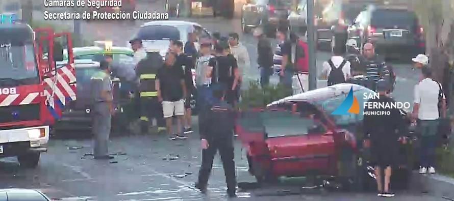 Choque múltiple en Avellaneda y colectora Juan Carlos Reguera