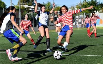 Comenzó la Liga Municipal de Fútbol Femenino en el Poli 8