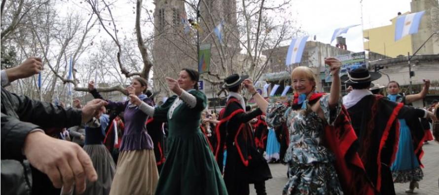 Festejos por el Día de la Independencia en Plaza Mitre