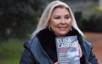 """Lilita Carrió presenta su libro """"Vida"""" en la Biblioteca Madero junto a Agustina Ciarletta"""