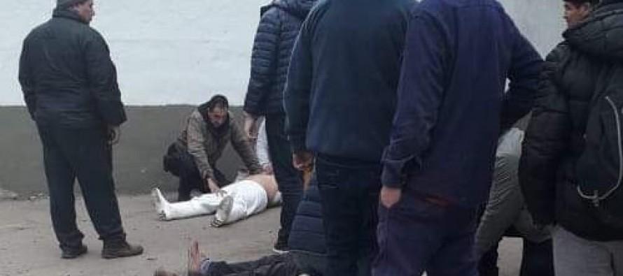 Dos heridos de bala en un feroz enfrentamiento gremial en Ecocarnes