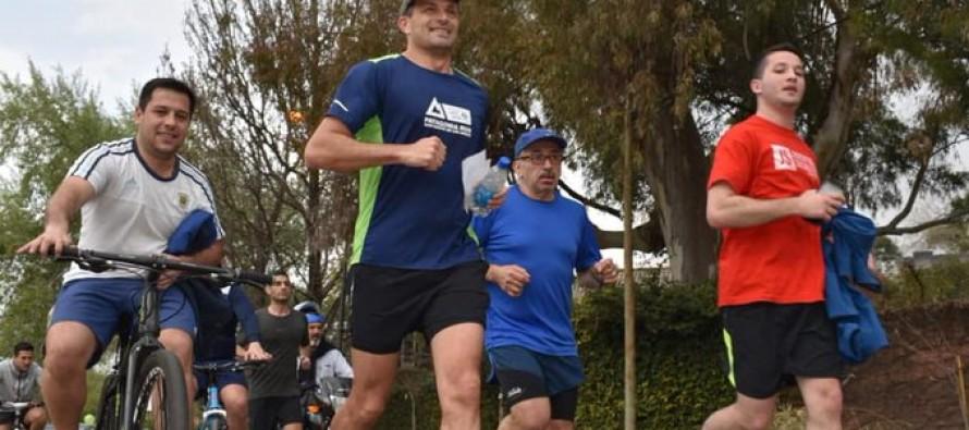 Bali Bucca comenzó la campaña con una maratón por Victoria y en el trayecto se cruzó con Daniel Salvador
