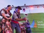 Se realizó la 23° Fiesta del Litoral en la plaza Carlos Gardel