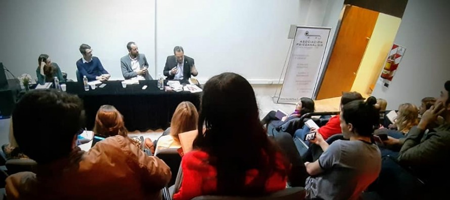 Conferencia en el Centro Universitario Municipal: ´Mujeres-madres, dos variables de lo femenino´