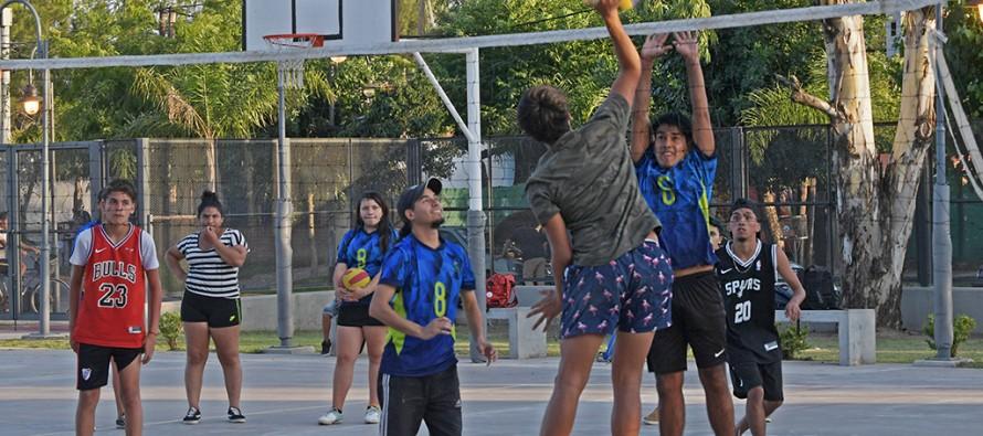 El Poli 9 ofrece durante este verano voley, básquet, fútbol, zumba, danza rítmica, funcional y hockey