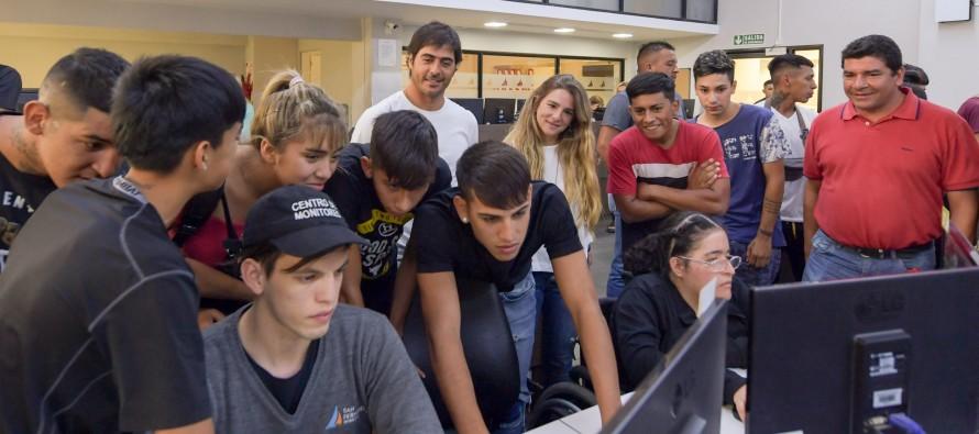 Los jóvenes del Centro Convivencial Terapéutico visitaron el Centro de Monitoreo