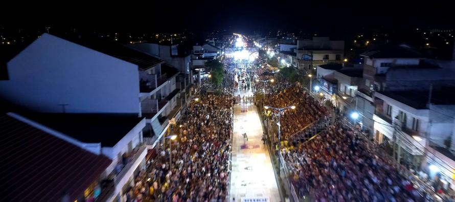 Ante una multitud sobre la avenida Avellaneda finalizó el Gran Corso Familiar