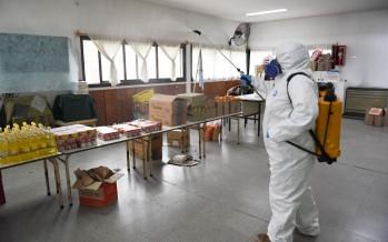 Sanitizan las escuelas de nuestra ciudad que reciben viandas para prevenir el coronavirus