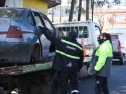 Remueven autos abandonados en Guatemala y Avellaneda, Arnoldi y Humaitá