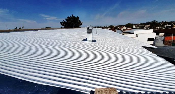 Se cambió el techo y se hacen refacciones en la Escuela Provincial N°22