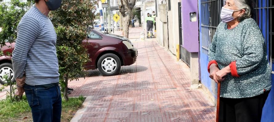 El municipio renueva veredas y mobiliario urbano en barrio San Jorge