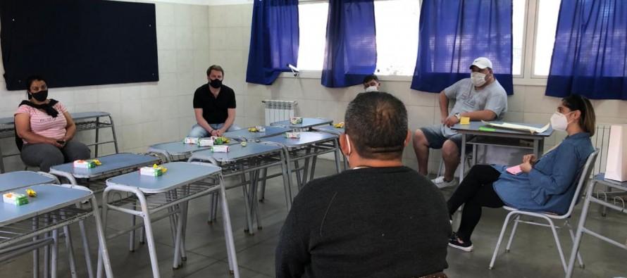Alex Campbell y Agustina Ciarletta otorgaron un subsidio al Club Itatí