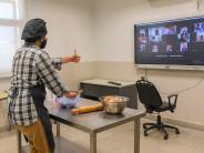 Continúan las clases virtuales de cocina de la Escuela de Oficios