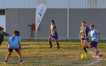 Se juegan las finales de los torneos de verano de fútbol femenino y masculino