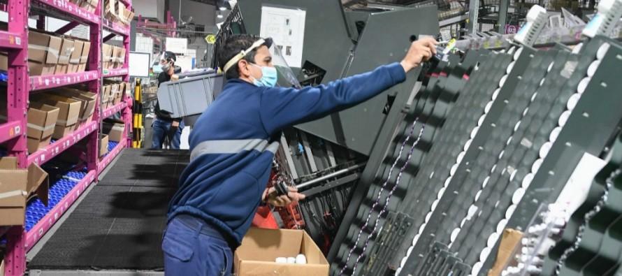 Juan Andreotti recorrió la planta de Avon en Victoria