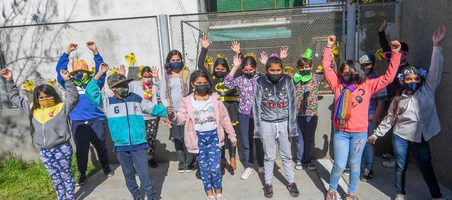 Jóvenes de los programas educativos celebraron el Día de la Primavera y del Estudiante