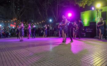 Se realizó una nueva Milonga al Aire Libre en la plaza Mitre